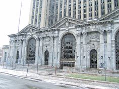 Is Detroit's Train Station a Decaying Mess or a Priceless Relic?