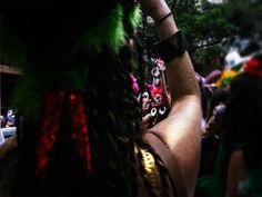 Samba em Rede quer mostrar os foliões do Pimentas do Reino. O bloco desfilou no dia 22 de fevereiro e com a contribuição da fotógrafa Carla Bispo, a alegria dos carnavalescos foi registrada em fotos e vídeo. Confira.