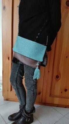Pochette fatta a mano con tessuto ed ecopelle di jenniewabisabi su Etsy