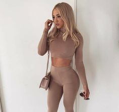 25 Lovely Tammy Hembrow Clothes to Show Off The Curve - Fashionetter Hot Girls, Tammy Hembrow, Ladies Lunch, Sleepwear & Loungewear, Fashion Outfits, Womens Fashion, Girl Fashion, Lounge Wear, Blond