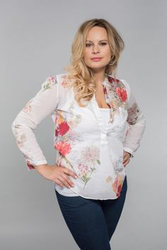 Jitka coby blondýnka Floral Tops, Stars, Blouse, Long Sleeve, Sleeves, Women, Fashion, Blouse Band, Moda