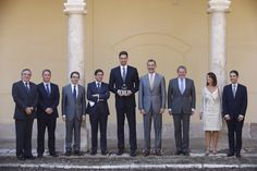 Don Felipe acompañado por el premiado, Pau Gasol, y de las autoridades asistentes al acto Universidad de Alcalá. Alcalá de Henares (Madrid, 15.07.2015
