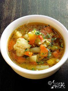 ciorba de legume (de post) New Recipes, Soup Recipes, Vegan Recipes, Cooking Recipes, Romanian Food, Soup And Salad, Food Videos, Quiche, Main Dishes