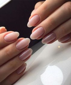 Oval nails have become very popular in recent years. Oval nails have become quite fashionable in today s fashion world. Encouraging color combinations play a role in Oval nail design, making them look smarter. Here are 44 Stylish Oval Nail Art Desi Nude Nails, Pink Nails, Coffin Nails, Pink Wedding Nails, Glitter Wedding, Hair And Nails, My Nails, Fall Nails, Summer Nails