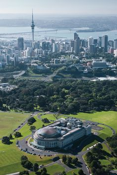 Travel Inspiration for New Zealand - Auckland Museum Sight Seeing
