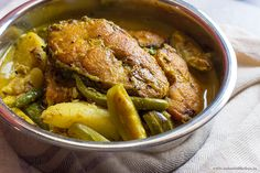 Panch foron die Rui Maach er Jhol/Rohu Fish Curry with Bengali 5 Spices - Not Out of the Box