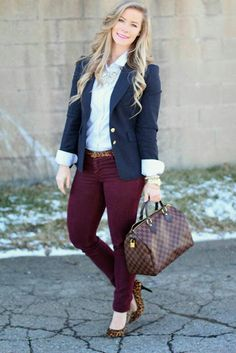 burgundy pants, navy blazer, white button up shirt, gold jewelry Summer Work Outfits, Casual Work Outfits, Business Casual Outfits, Professional Outfits, Mode Outfits, Work Attire, Office Outfits, Outfit Work, Business Professional