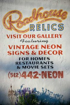 showcase of beautiful retro and vintage typography.