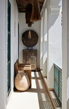 In this riad in Marrakech, the Ryad Dyor, traditional Moroccan architecture is featured in a light-filled space. Moroccan Design, Moroccan Decor, Moroccan Style, Moroccan Bedroom, Ethnic Decor, Moroccan Lanterns, Style At Home, Home Design, Design Hotel