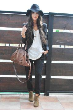 Printed jeans & boho hat black white brown fall fashion style.