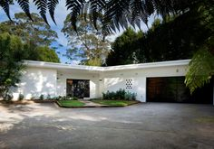 Sold: Mid-century Modernist house in Wahroonga by Architect Unknown. 73 Kintore Street, Wahroonga, Sydney, NSW 2076 Australia