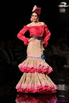 Traje de Flamenca - Margarita-Freire - Simof-2015 Flamenco Party, Flamenco Costume, Flamenco Dresses, Folk Costume, Costumes, Spanish Fashion, Elie Saab, Beautiful Dresses, Feminine