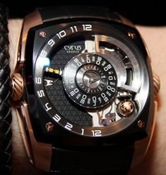 Newer brand Cyrus is one worth taking note of, and I finally got some hands-on experience with their flagship watch model called the Klepcys...