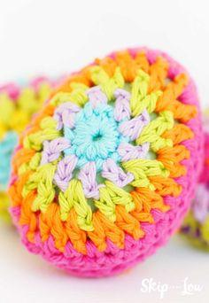 colorful crochet Easter Egg Easter Egg Pattern, Easter Crochet Patterns, Crochet Bunny, Crochet Cord, Easy Crochet, Crochet Hooks, Easter Egg Designs, Easter Ideas, Easter Crafts
