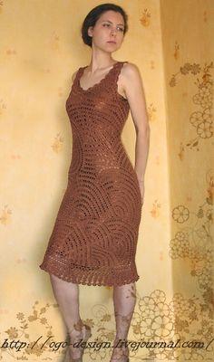 Так как одноименное платье вызвало немалый интерес, то постараюсь сделать хотя бы примерное описание процесса. В основе вязания лежит принцип ленточного кружева…