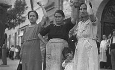 Spaniards at a political rally in Badajoz in 1936