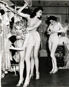 Burlesque  60's MAISON kiss Kiss LONDON