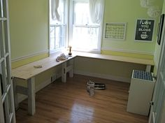 #DIY I need to build a big L-shaped desk like this for my tiny art room. She did a great job!