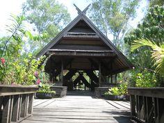 Pusat Pendidikan Lingkungan Hidup(PPLH) Puntondo, Kec. Manggarabombang, Kab. Takalar.  Fokus pada pengelolaan dan pendidikan ekosistem pesisir; Mangrove, lamun, terumbu karang. Konsep perumahan desa menambah suasana belajar dan bermain lebih hikmat