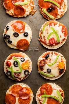 New Recipe For Kids Dinner Mini Pizzas Ideas Birthday Dinner Recipes, Birthday Dinners, Dinner Recipes For Kids, Fun Dinners For Kids, Mini Pizza Recipes, New Recipes, Cooking Recipes, Favorite Recipes, Cooking Pork