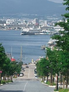 Hakodate, Hokkaido, Japan 函館 Japanese Landscape, Japanese Architecture, Hakodate, Dream City, Japan Travel, Nice View, San Francisco Skyline, Scenery, Ocean