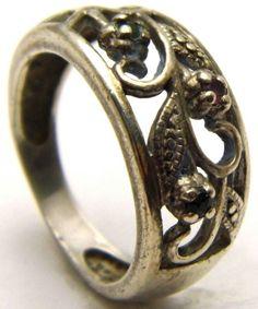 Vintage Sz6.75 AVON Ring Mini Emerald, Sapphire, Ruby Stones 925 Sterling Silver
