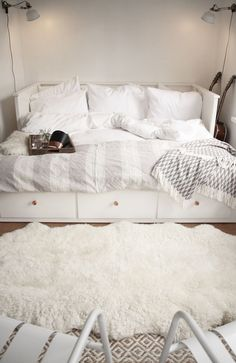 HEMNES day bed with 3 drawers / 2 mattresses - white, Malfors medium firm - IKEA HEMNES bedroom series - IKEAHEMNES daybed frame with 3 drawers, whiteOne month at home // My favorite corner - Ikea Hemnes Daybed, Hemnes Day Bed, Bed Ikea, Ikea Guest Bed, White Ikea Bed, Ikea Hemnes Living Room, Daybed Room, Bed Nook, Cozy Nook