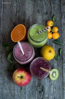 Smoothies, Smoothie Dreierlei, Smoothierezepte, Smoothieideen, Frühstück, Snack, gesund, Obst, Gemüse, healthy, smoothie ideas, smoothie recipes, veggie, vegetarisch, vegan, breakfast, fruits, snacks, breakie