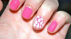 Giraffe hot pink nails