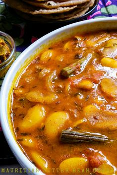 Creamy Rich Mauritian Butter Beans Curry with Drumsticks – Cari Gros Pois Masala Curry Recipes, Vegetable Recipes, Soup Recipes, Cooking Recipes, Spicy Vegetarian Recipes, Recipies, Veg Curry, Beans Curry, Indian Beans Recipe