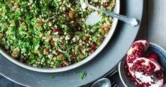 En utrolig frisk, fargerik og mettende salat som egner seg supert som tilbehør til grillet kjøtt. Bland gjerne i bladpersille og koriander hvis du ønsker det.