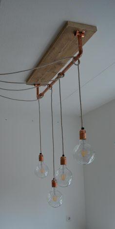 Hanglamp met gloeilampen en strijkijzersnoer | pendellamp met koper | LED | Lamp 'Allicht' van VanStoerHout