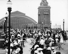 Stunning Image of Navy Pier, Chicago in 1905