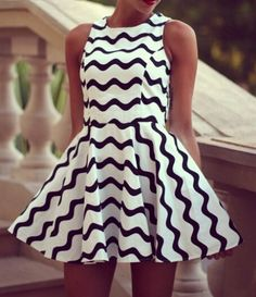 Fashion Black And White Stripe Sleeveless Dress - Stella La Moda Dresses Short, Cute Dresses, Beautiful Dresses, Casual Dresses, Dress Long, Style Noir, Mode Style, Vestidos Vintage, Vintage Dresses