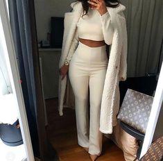 All white outfit idea All White Outfit, White Outfits, Classy Outfits, Fall Outfits, Casual Outfits, Mode Outfits, Fashion Outfits, Womens Fashion, Look Girl
