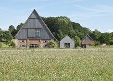 Small museum pavilion by Von M