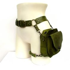 Leather Utility Belt, Leather Fanny Pack, Leather Holster, Tan Leather, Accesorios Casual, Hip Bag, Character Outfits, Aesthetic Clothes, Leather Purses