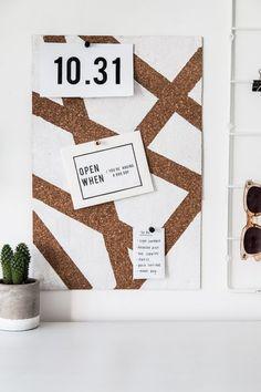 DIY Geometric Painted Cork Board - The Beautydojo Cork Board Ideas For Bedroom, Diy Cork Board, Cork Boards, Cork Board Painted, Teen Wall Art, Diy Wall Art, Painting Corkboard, Ikea Cork, Diy Organisation