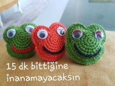 amigurumi 15 dakikada biten kurabiye kurbağa anahtarlık yapımı - YouTube Bargello, Panda, Elsa, Baby Shoes, Crochet Hats, Slippers, Youtube, Amigurumi Patterns, Tricot