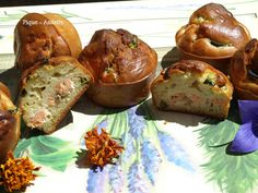 Muffins saumon / courgette. Muffins, Breakfast, Food, Kitchens, Bakery Business, Muffin, Meal, Eten, Meals