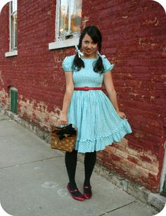 I always wanted to be Dorothy from the Wizard of Oz for Halloween. I love this costume!