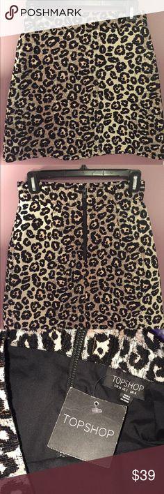 Topshop Skirt Cheetah print topshop skirt. Brand new with tag. Fits like a 0 Topshop Skirts Mini