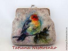 """Купить Косметичка """"Зяблик"""" - бежевый, рисунок, шерстяная акварель, птица, зяблик, косметичка, маленькая сумочка"""