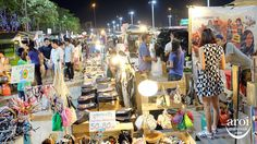 Hua Mum Night Market – The Hidden Gem Market Worth Visiting! Discover local food, icy dessert, refreshing drinks, clothes, shoes etc here! Find out more from http://aroimakmak.com/hua-mum-night-market/ #discover #travel #bangkok #shopping
