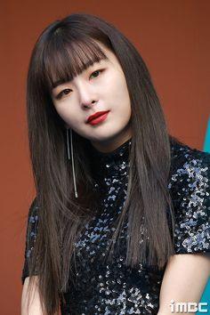 [PHOTO] 180324 Seoul Fashion Week 2018 (Fleamadonna) - Red Velvet's Seulgi Related Content: Seoul Fashion Week 2018 - Red Velvet Kpop Girl Groups, Kpop Girls, Kpop Girl Bands, Kang Seulgi, Red Velvet Seulgi, Fashion Week 2018, Seoul Fashion, Hair 2018, Bridal Makeup