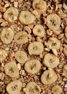 This Banana-Cashew Baked Oatmeal Will Make You A Believer in Breakfast Prepping – Banana Coconut Rum Slushy - Camille Styles Banana Oatmeal Recipe, Banana Coconut, Coconut Rum, Baked Oatmeal, Oatmeal Recipes, Meatless Burgers, Breakfast Cookies, Breakfast Recipes, Burger Recipes