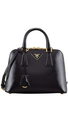 04aba7873e Classic Black Prada Bag Fashion Handbags, Fashion Bags, Fashion 2015,  Fashion Lookbook,