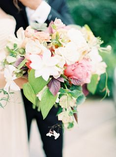 http://poppiesandposies.com is killing us with bouquet gorgeousness  Photography By / http://jenhuangphotography.com,Floral