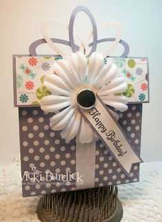 Gift Card holder and she has a tutorial to show you how to make it too.