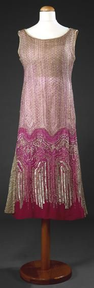 Beaded dress, c. 1920, Portuguese. Museu Nacional do Traje.